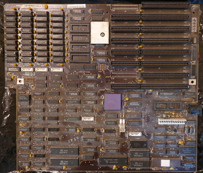 ibm_pc_at_full_size_mobo_component_side.jpg